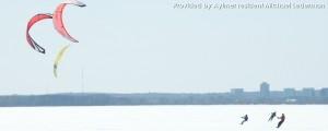 Voile à la glace et l'air sur la rivière Outaouais à Aylmer Québec| Ice Kiting on Ottawa River Aylmer Quebec